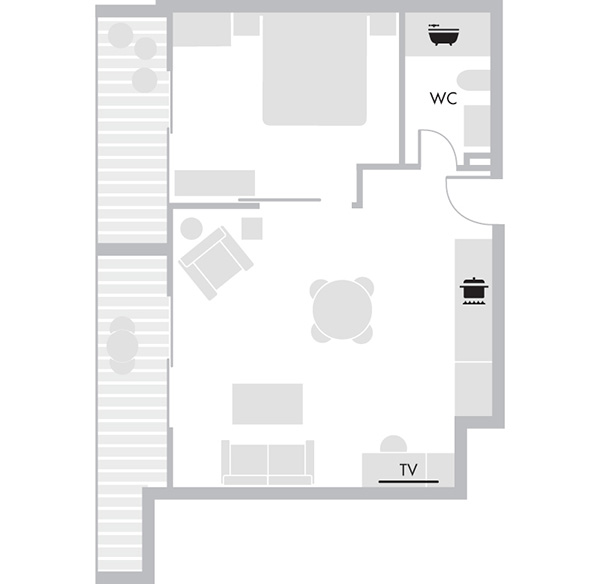 Bay Executive Suite Balcony - Floorplan